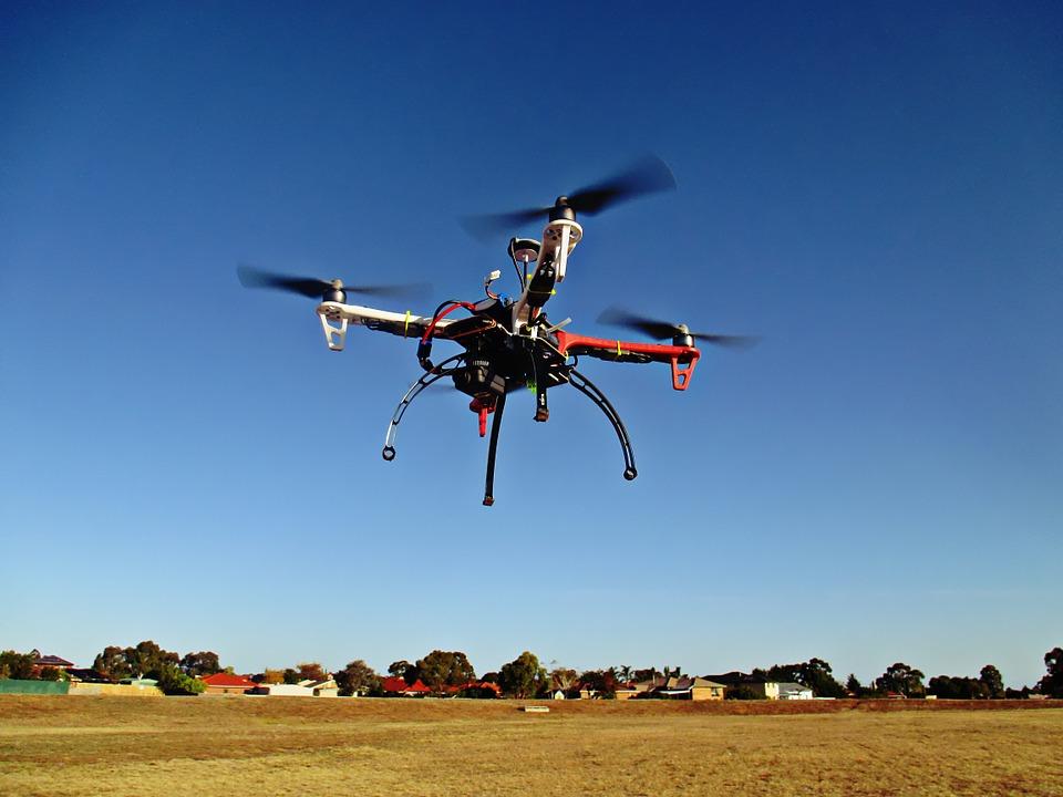 drone-784310_960_720